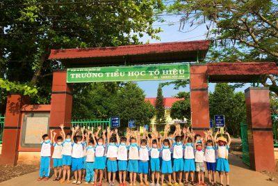 Hoạt động trải nghiệm trường tiểu học của cô trò trường MG Hoa Sim